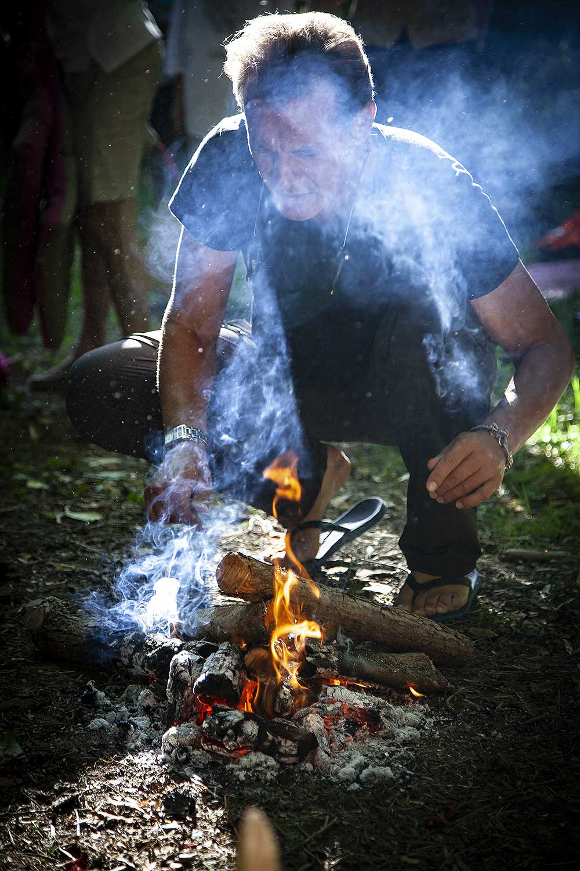 https://latablearallonge.com/wp-content/uploads/stage-shaman-en-camargue-02-preparation-du-feu-9841.jpg